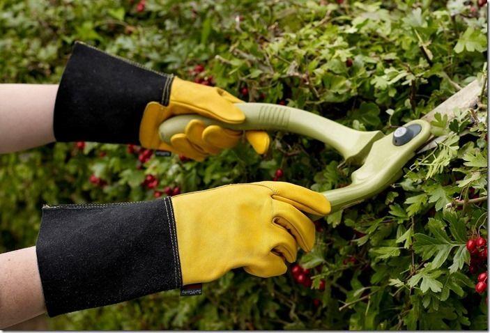 10 Gauntlet gloves