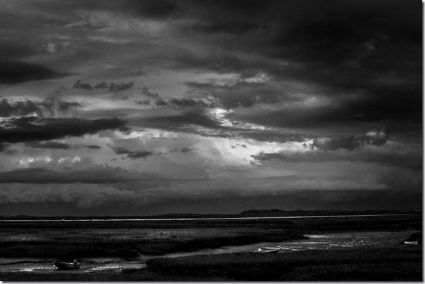 Digist, Black & White, Photography, How to, Photograph, Image, Raw, Color, B/W, Black and White, Mono,
