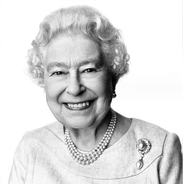 Queen elizabeth II portrait, Queens New Portrait by David Bailey , David Bailey's Queen Portrait, David Bailey, Queen Portrait, 88th Birthday, wide angle lens, Portrait,