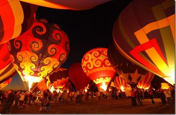 hotairballoons-night-001
