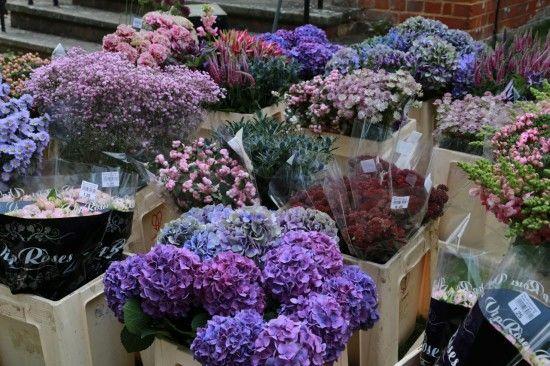 How to do wedding flowers