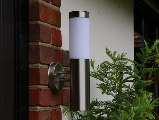 10 Canterbury Stainless Steel Solar Walllight