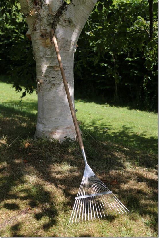 pic. 6 Burgon and Ball Leaf rake