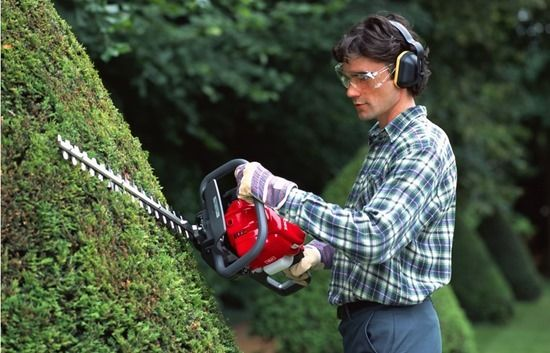 2 Hedge trimmer honda_hedge_trimmer (998x641)