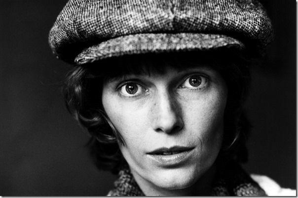 Mia Farrow, 1977