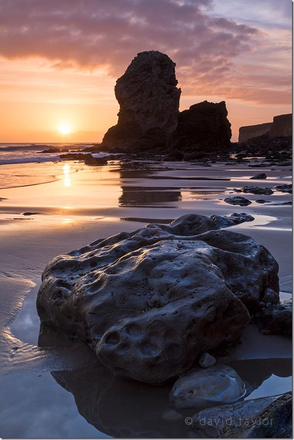 Periclase and Magnesian Limestone sea stack in Marsden Bay near South Shields and Whitburn, South Tyneside, England,  The Golden Hour, landscape photographer, landscape photography, Light, sunrise, sunset, visible light, online photography course