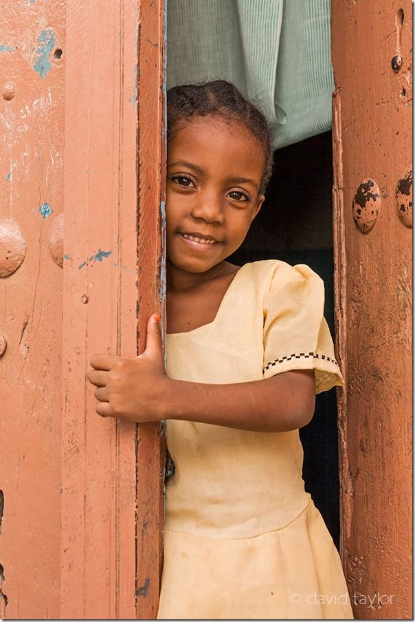 Child in Stone Town, Zanzibar, Travel Photography Tips, Travel Photography, Holiday photography, online photography courses,