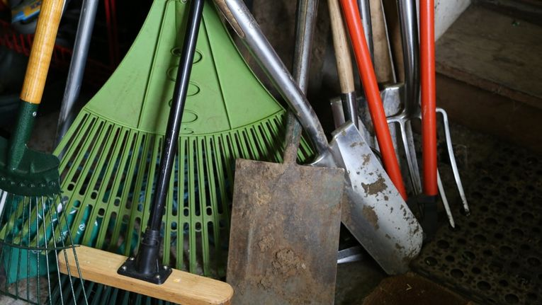 Some Unusual Tips For Maintaining Your Garden Tools Gardening
