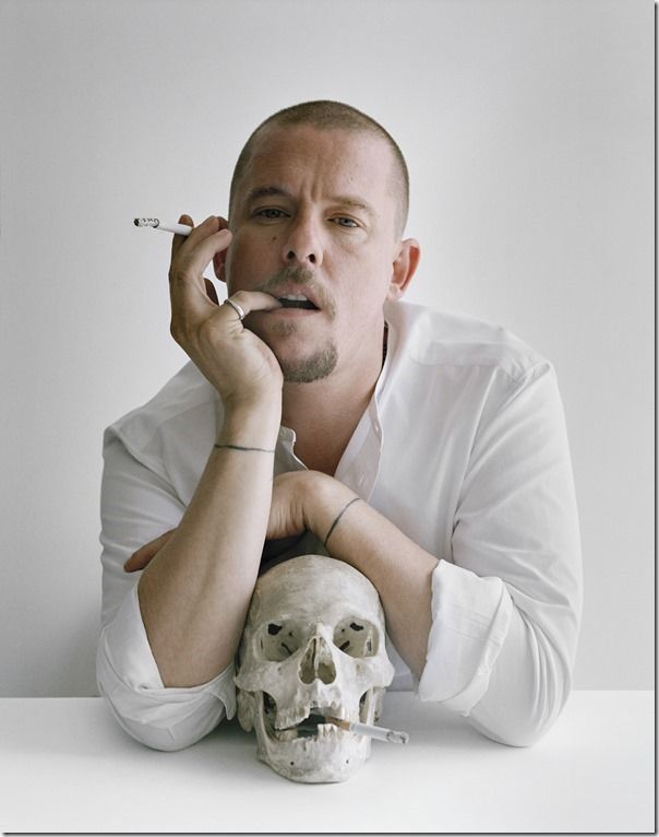 04_ Press Image l Work, Rest and Play l Tim Walker, Alexander McQueen with skull and cigarettes, 2009