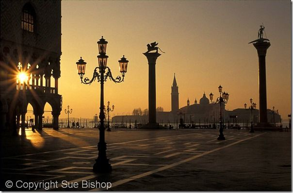 st marks square, Shooting into the sun, how to shoot into the sun, silhouette, silhouettes, Contre jour, Backlit portraits, Backlit, sunrises, sunsets, exposure, online photography course, class, Sun,  Creative, Photography