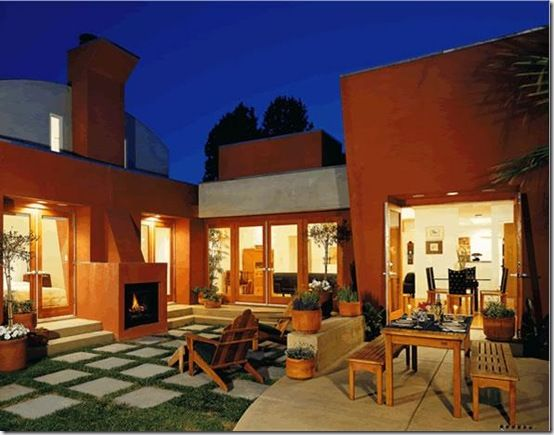 stucco-outdoor-fireplace