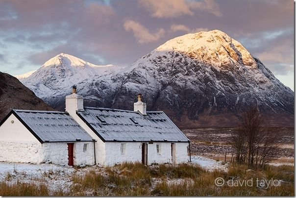 Blackrock Cottage at the foot of Meall a' Bhuird, Rannoch Moor with Buachaille Etive Mor (Stob Bearg) behind, Scottish Highlands, Scotland, Aperture, DOF, Depth of Field, f-stop, online photography course, Understanding Aperture