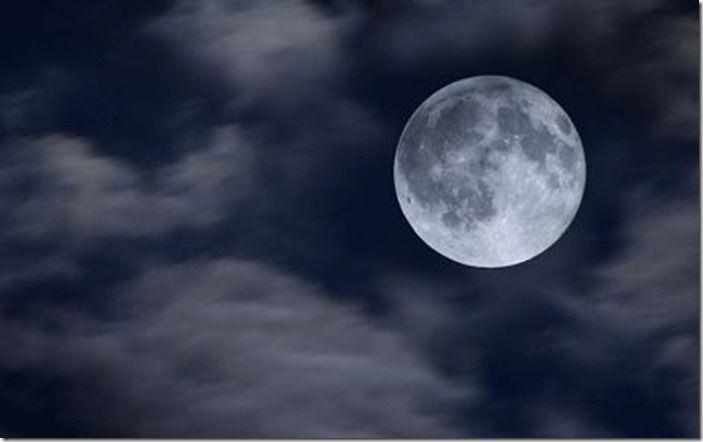 Full_moon_1204649c