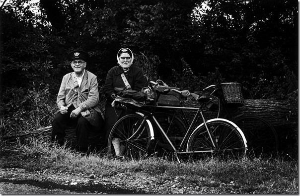 Postman and postwoman having a picnic, 1966