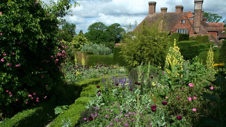 Great Dixter A Wonder Or A Wilderness Gardening Learning